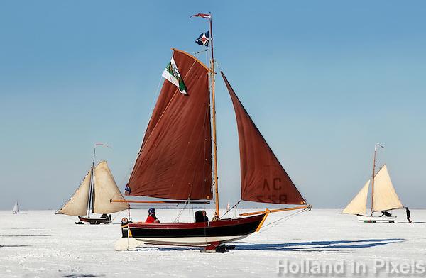 IJszeilen op de Gouwzee bij Monnickendam