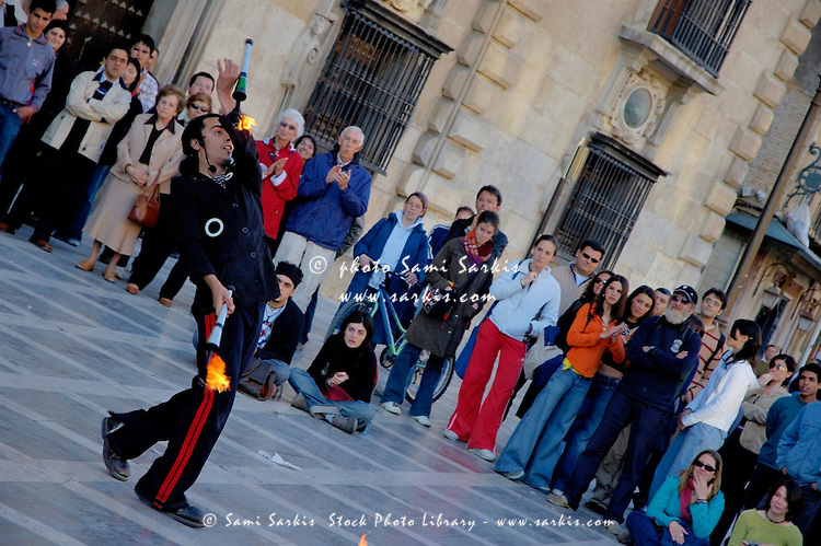 Street show performance in Albayzin, the old Islamic quarter of Granada, Andalusia, Spain.