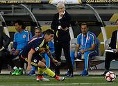Jose Pekerman y James Rodriguez en el partido entre Colombia y Estados Unidos en la Copa América Centenario USA 2016 en el Levi's Stadium en Santa Clara, California, el 3 de junio de 2016.<br /> Foto: Archivolatino<br /> <br /> COPYRIGHT: Archivolatino/Alejandro Sanchez<br /> Prohibida su venta y su uso comercial.