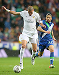 Real Madrid's Pepe (l) and WfL Wolfsburg's Ricardo Rodriguez during Champions League 2015/2016 Quarter-finals 2nd leg match. April 12,2016. (ALTERPHOTOS/Acero)