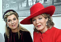 La reine Mathilde de Belgique et la reine Maxima des Pays-Bas lors dans un centre pour jeunes en difficult&eacute;, lors d'une visite d'&eacute;tat de 3 jours aux Pays-Bas.<br /> Pays-Bas, Amsterdam, 28 novembre 2016.<br /> Queen Mathilde of Belgium &amp; Queen Maxima of The Netherlands during a visit in a welfare center for youth, during day two of the state visit to the Netherlands.<br /> Netherlands, <br /> The Netherlands, Amsterdam, 29 november 2016.