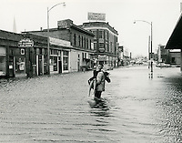 1962  March  08..Historical         ..1962 NORFOLK FLOODING..CLIFTON GUTHRIE.NEG#.961-E..