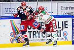 S&ouml;dert&auml;lje 2013-12-12 Ishockey Hockeyallsvenskan S&ouml;dert&auml;lje SK - Mora IK :  <br /> Mora 40 Jonathan Harty tacklar S&ouml;dert&auml;lje 10 Damien Fleury <br /> (Foto: Kenta J&ouml;nsson) Nyckelord: