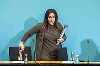 Senatspressekonferenz in Berlin am Dienstag den 17. Maerz 2020.<br /> Auf der Pressekonferenz erlaeuterten die Senatorin fuer Wirtschaft, Energie und Betriebe, Ramona Pop (Buendnis 90/Die Gruenen) und die Senatorin fuer Gesundheit, Pflege und Gleichstellung, Dilek Kalayci (SPD) (im Bild) die aktuellen Beschluesse des Senats zur Corona-Krise.<br /> 17.3.2020, Berlin<br /> Copyright: Christian-Ditsch.de<br /> [NUR FUER REDAKTIONELLE ZWECKE! Werbung nur auf Anfrage beim Fotografen. Inhaltsveraendernde Manipulation des Fotos nur nach ausdruecklicher Genehmigung des Fotografen. Vereinbarungen ueber Abtretung von Persoenlichkeitsrechten/Model Release der abgebildeten Person/Personen liegen nicht vor. NO MODEL RELEASE! Don't publish without copyright Christian-Ditsch.de, Veroeffentlichung nur mit Fotografennennung, sowie gegen Honorar, MwSt. und Beleg. Konto: I N G - D i B a, IBAN DE58500105175400192269, BIC INGDDEFFXXX, Kontakt: post@christian-ditsch.de<br /> Bei der Bearbeitung der Dateiinformationen darf die Urheberkennzeichnung in den EXIF- und  IPTC-Daten nicht entfernt werden, diese sind in digitalen Medien nach §95c UrhG rechtlich geschuetzt. Der Urhebervermerk wird gemaess §13 UrhG verlangt.]