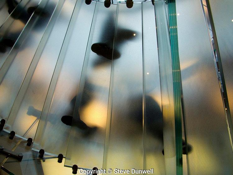 Apple Store, Boston, MA staircase (Bohlen Cywinski = architect) Tim McFarlane = engineer
