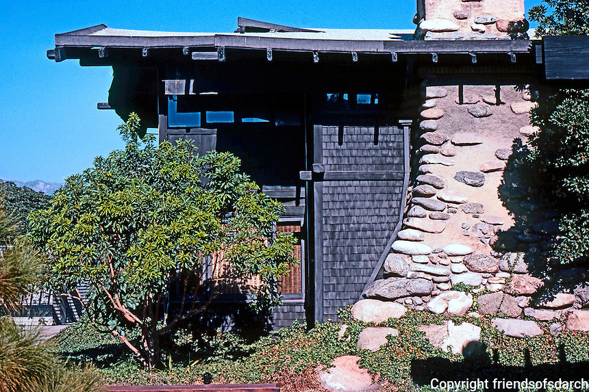Greene & Greene: A House in the Arroyo area.  Photo '77.