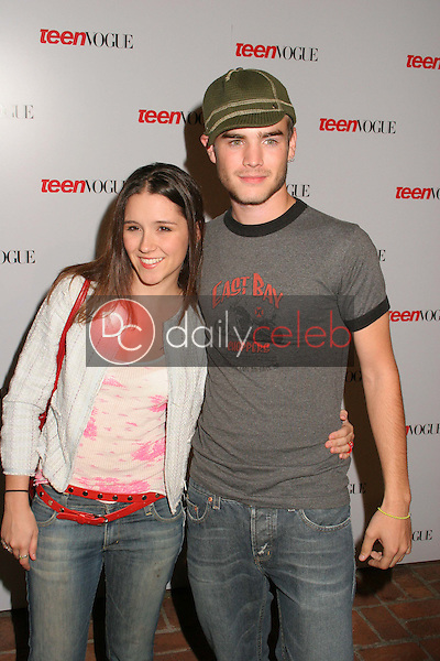 Shannon Woodward and David Gallagher