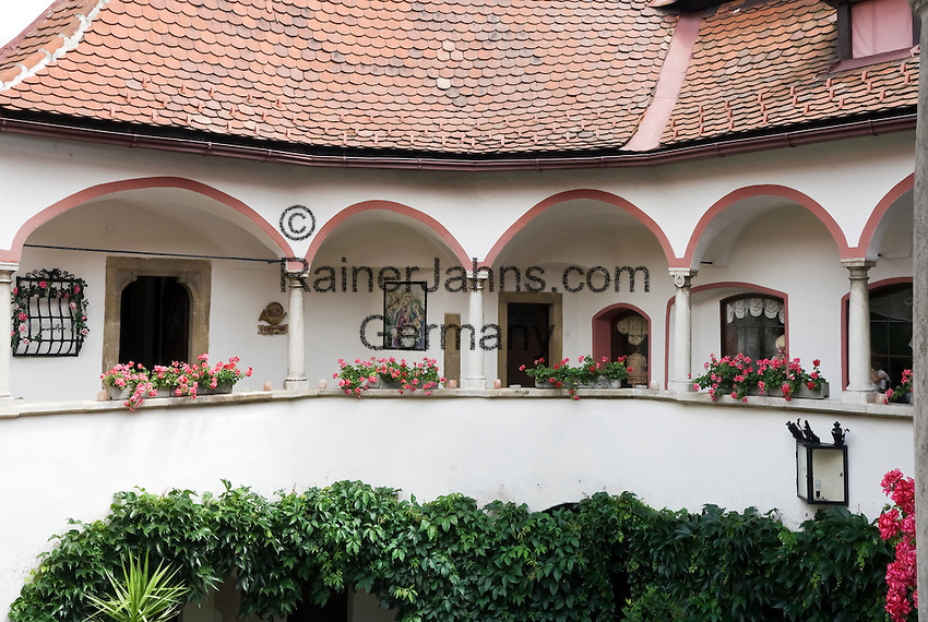 Austria, Lower Austria, UNESCO World Heritage Wachau, Krems: Hotel Alte Post, courtyard, detail