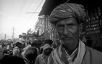 11.2010 Pushkar (Rajasthan)<br /> <br /> Portrait of a man during the fair.<br /> <br /> Portrait d'un homme pendant la foire.
