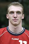 Nach 167 L&auml;nderspielen mit 576 Toren beendet Holger Glandorf seine Karriere in der deutschen Handball-Nationalmannschaft. Der 31-j&auml;hrige Linksh&auml;nder war 2007 Weltmeister und gewann im Juni mit der SG Flensburg-Handewitt die Champions League<br /> Archiv aus: <br />  Handball Bundesliga Saison 2002/2003<br /> HSG Nordhorn<br /> Holger Glandorf<br /> <br /> Foto &copy; nordphoto<br /> <br /> <br /> <br />  *** Local Caption *** Foto ist honorarpflichtig! zzgl. gesetzl. MwSt.<br />  Belegexemplar erforderlich<br /> Adresse: nordphoto<br /> Georg-Reinke-Strasse 1<br /> 49377 Vechta<br /> Telefon: 04441-89400 / Fax: 04441-894022