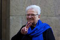 SÃO PAULO, SP, 02.07.2016 -ERUNDINA-SP - Deputada Federal Luiza Erundina é vista na saída da missa celebrada na catedral da Sé , localizada na Praça da Sé, região central de São Paulo (SP), neste sábado  (Foto: Adailton Damasceno/Brazil Photo Press)
