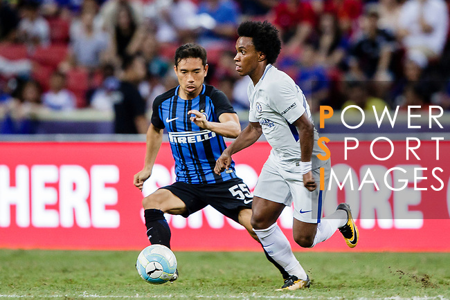 Chelsea Midfielder Willian da Silva (R) plays against FC Internazionale Defender Yuto Nagatomo (L) during the International Champions Cup 2017 match between FC Internazionale and Chelsea FC on July 29, 2017 in Singapore. Photo by Marcio Rodrigo Machado / Power Sport Images