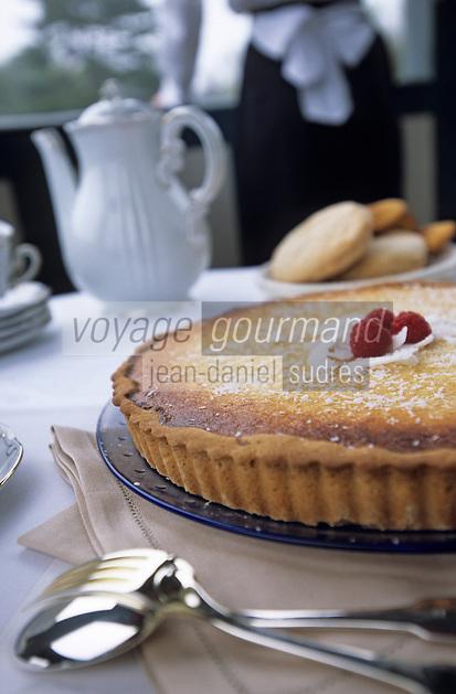 Europe/France/Normandie/Basse-Normandie/14/Calvados/Deauville: Goûter et thé à la terrasse de la villa Strassburger