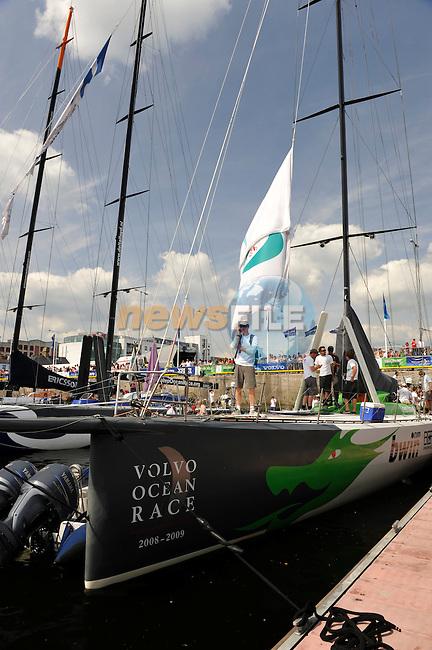 Volvo Ocean Race hits Galway City during the stopover on 31st May 2009 (Photo by Eoin Clarke/NEWSFILE)