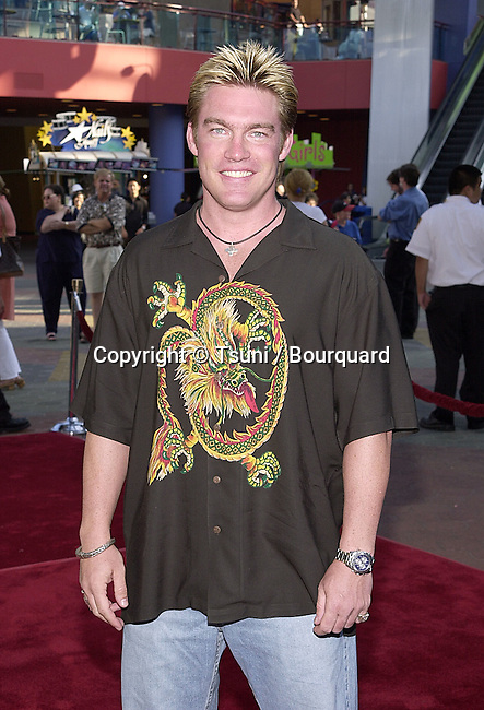 Judson Mills - Walker Texas Rangers - arriving at the Jurassic Park 3-screening for a new setting for people with visual or audio impairments - . The screening was at the Universal City Walk in Los Angeles. July 24, 2001  © Tsuni          -            MillsJutson_WalkerTexasR03.jpg