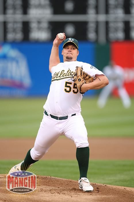 OAKLAND, CA - June 1:  Joe Blanton of the Oakland Athletics pitches during the game against the Minnesota Twins at the McAfee Coliseum in Oakland, California on June 1, 2007.  The Athletics defeated the Twins 1-0.  Photo by Brad Mangin