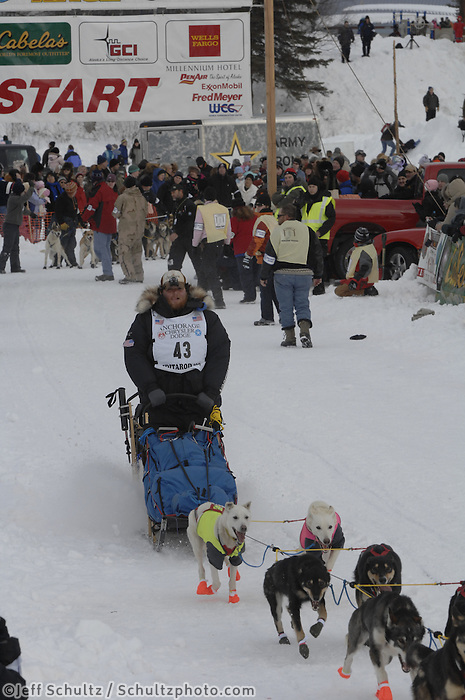 Jake Berkowitz Willow restart Iditarod 2008.