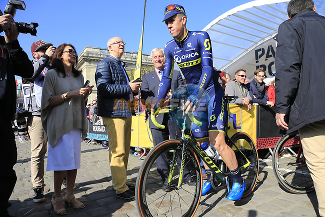 Last year's winner Mathew Hayman (AUS) Orica-Scott at sign on for the 115th edition of the Paris-Roubaix 2017 race running 257km Compiegne to Roubaix, France. 9th April 2017.<br /> Picture: Eoin Clarke | Cyclefile<br /> <br /> <br /> All photos usage must carry mandatory copyright credit (&copy; Cyclefile | Eoin Clarke)