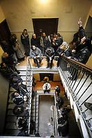 """Roma, 21 Gennaio 2011.Picchetto antisfratto in Via Nomentana,per impedire lo sfratto di una signora di 75 anni organizzato dal movimento """"abitare nella crisi."""
