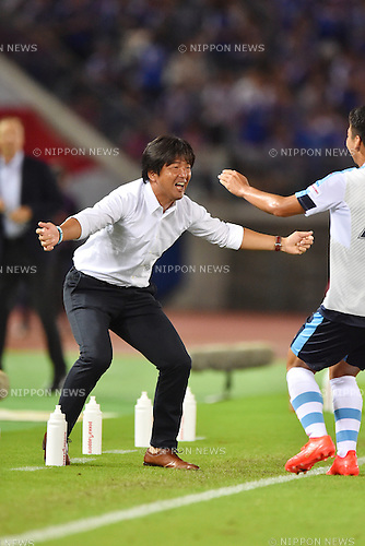 Hiroshi Nanami (Jubilo),<br /> JULY 23, 2016 - Football / Soccer :<br /> Hayao Kawabe of Jubilo Iwata celebrates with head coach Hiroshi Nanami after scoring the equalizing goal during the 2016 J1 League 2nd stage match between Yokohama F Marinos 1-1 Jubilo Iwata at Nissan Stadium in Kanagawa, Japan. (Photo by AFLO)