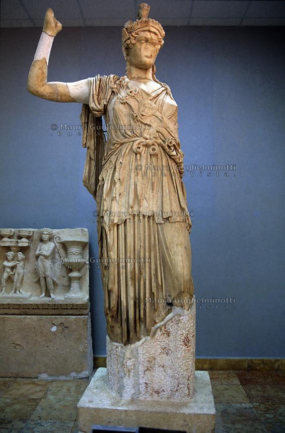 SIRIA - sito di Palmira(Tadmor)  Museo Antichità  statua di Atena