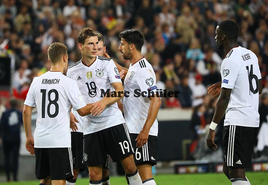 Deutsche Mannschaft klatscht nach dem 6:0 Sieg ab - 04.09.2017: Deutschland vs. Norwegen, Mercedes Benz Arena Stuttgart