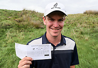 Kerry Mountford and his scorecard after a course record equal round of -9 62 under par. New Zealand Stroke Play Championships, Paraparaumu Golf Course, Paraparaumu Beach, Kapiti Coast, Saturday 24 March 2018. Photo: Simon Watts/www.bwmedia.co.nz