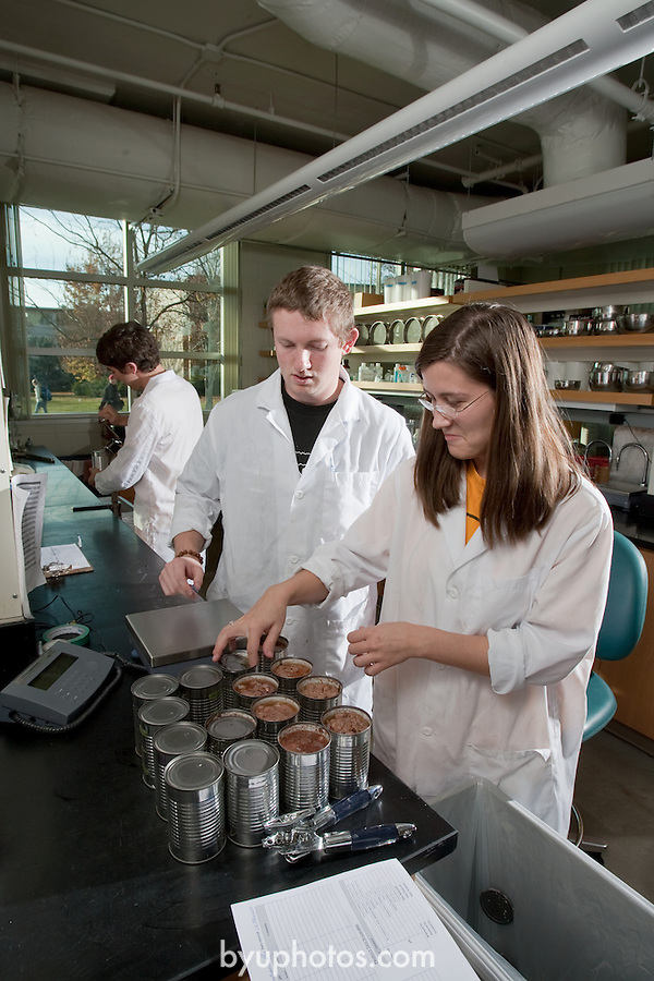 0711-34 943.CR2.College of Life Sciences.Nutrition, Dietetics and Food Science.Amalie Brown, Roger Simpson, Kyle Hampton.November 12, 2007..Photography by Mark A. Philbrick..Copyright BYU Photo 2007.All Rights Reserved .photo@byu.edu  (801)422-7322