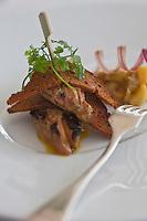 Europe/France/Bretagne/56/Morbihan/ Carnac: Restaurant Le Tumulus- foie gras poêlé pain d'épice croustillant, compotée de rhubarbe recette du chef Alexandre Guénic