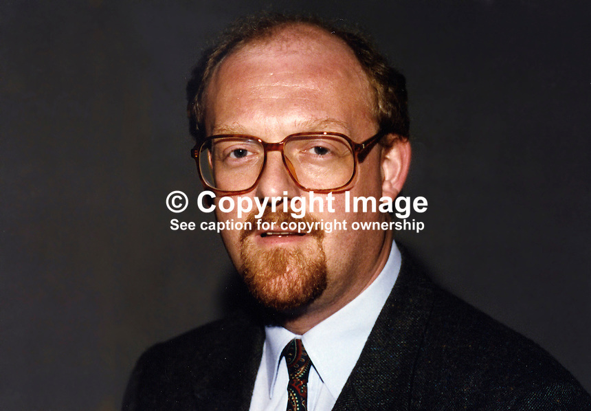 David Bowe, MEP, Labour Party, Britain, UK, European Parliament, 19930914DB..Copyright Image from Victor Patterson, 54 Dorchester Park, Belfast, UK, BT9 6RJ..Tel: +44 28 9066 1296.Mob: +44 7802 353836.Voicemail +44 20 8816 7153.Skype: victorpattersonbelfast.Email: victorpatterson@mac.com.Email: victorpatterson@ireland.com (back-up)..IMPORTANT: If you wish to use this image or any other of my images please go to www.victorpatterson.com and click on the Terms & Conditions. Then contact me by email or phone with the reference number(s) of the image(s) concerned.