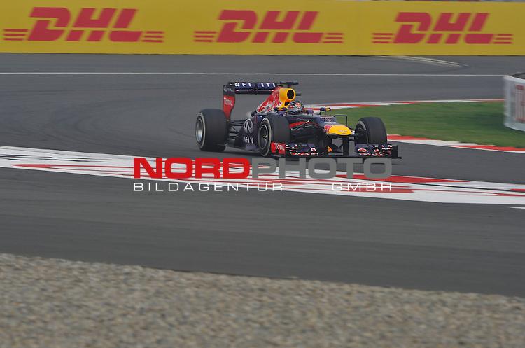 25.-27-10-2013, Jaypee-Circuit, Noida, IND, F1, Grosser Preis von Indien, Noida, im Bild DHL Branding - Sebastian Vettel (GER), Red Bull Racing <br />  Foto &copy; nph / Mathis