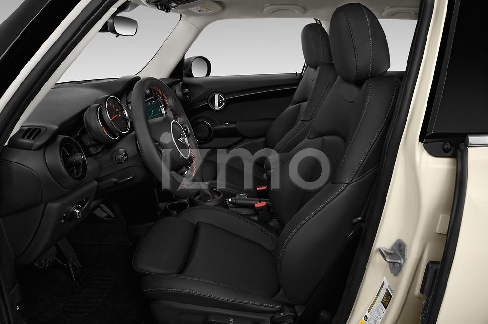 Front seat view of a 2019 Mini Hardtop 4 Door Cooper S Signature 5 Door Hatchback front seat car photos