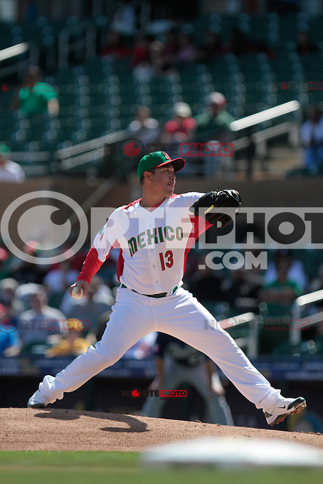Rodrigo Lopez picher abridor.. Mexico vs Italia, 2013 World Baseball Classic, Estadio Salt River Field en Scottsdale, Arizona  ,7 de marzo 2013...photo© Baldemar de los Llanos