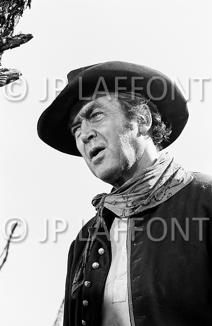 "1967, Del Rio, Texas, USA --- James Stewart plays Mace Bishop in the 1968 western ""Bandolero!"", directed by Andrew V. McLaglen. --- Image by © JP Laffont"