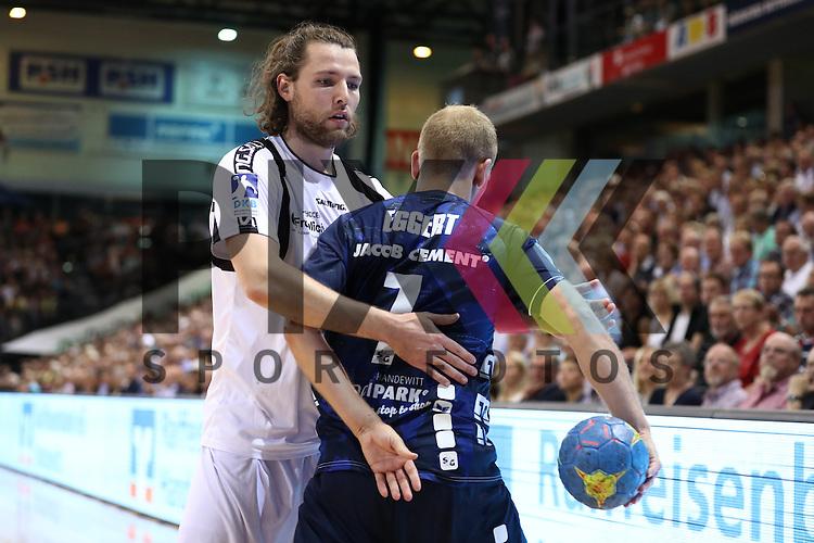 Flensburg, 21.09.16, Sport, Handball, DKB Handball Bundesliga, Saison 2016/2017, 5. Spieltag,  SG Flensburg-Handewitt - MT Melsungen : Anders Eggert (SG Flensburg-Handewitt, #07), Johannes Sellin (MT Melsungen, #05)<br /> <br /> Foto &copy; PIX-Sportfotos *** Foto ist honorarpflichtig! *** Auf Anfrage in hoeherer Qualitaet/Aufloesung. Belegexemplar erbeten. Veroeffentlichung ausschliesslich fuer journalistisch-publizistische Zwecke. For editorial use only.