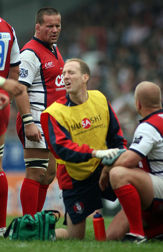 Photo: Paul Thomas..Leicester Tigers v Gloucester Rugby. Guinness Premiership. 16/09/2006...Christian Califano of Gloucester (L).