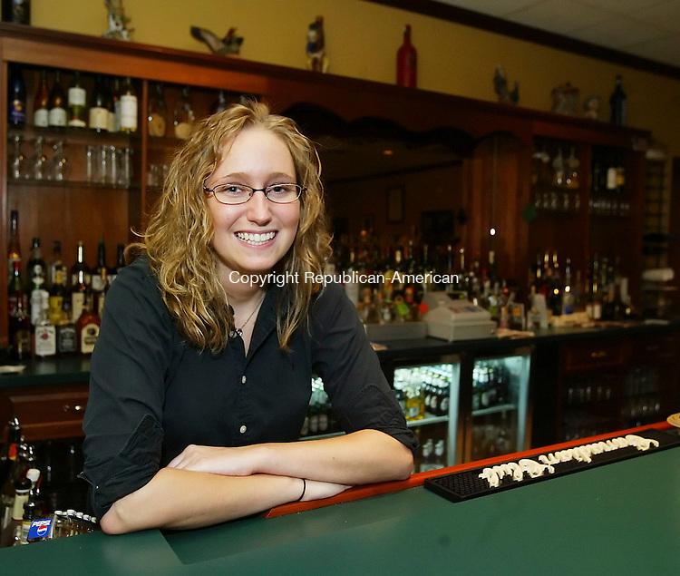WOLCOTT, CT,  10 NOVEMBER 2006, 111006BZ02-  Amanda Johnson, bartender at the East Side Eatery in Wolcott.  <br /> Jamison C. Bazinet Republican-American