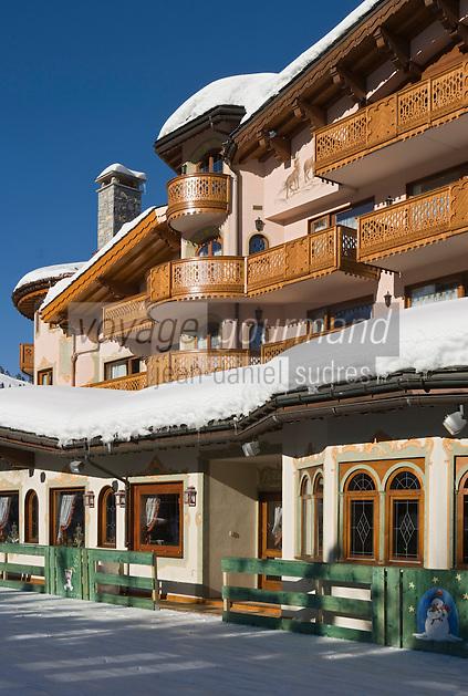 Europe/France/Rhone-Alpes/73/Savoie/Courchevel:  Hôtel-Restaurant: Les Airelles et sa patinoire