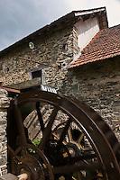 Europe/France/Aquitaine/24/Dordogne/Payzac: Papeteries de Vaux - Ecomusée Européen du papier de paille -  La production de la papeterie de Vaux consistait en la fabrication de papier de paille de seigle, principalement utilisé dans l'alimentation et l'emballage.