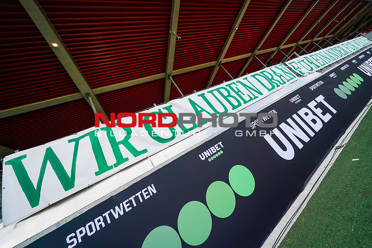 Werder BANNER WIR GLAUBEN DRAN - FÜR EINANDER FÜR WERDER<br /> <br /> <br /> Sport: nphgm001: Fussball: 1. Bundesliga: Saison 19/20: Relegation 02; 1.FC Heidenheim vs SV Werder Bremen - 06.07.2020<br /> <br /> Foto: gumzmedia/nordphoto/POOL <br /> <br /> DFL regulations prohibit any use of photographs as image sequences and/or quasi-video.<br /> EDITORIAL USE ONLY<br /> National and international News-Agencies OUT.