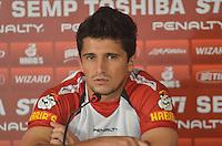 SAO PAULO, 11 DE MARCO DE 2013 - TREINO SAO PAULO - O jogador Aloisio durante coleteiva de imprensa no CT da Barra Funda, regiao oeste, na tarde desta segunda feira, 11. (FOTO: ALEXANDRE MOREIRA / BRAZIL PHOTO PRESS)