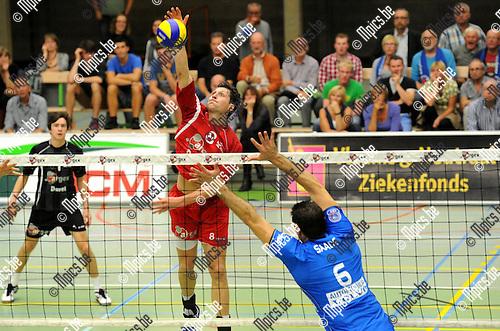 2012-09-28 / Volleybal / seizoen 2012-2013 / Puurs - Roeselare / Jimmy Prenen (Puurs) met de smash..Foto: Mpics.be