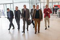 Mitglieder der Fraktion der rechtsnationalistischen &quot;Alternative fuer Deutschland&quot; vor der Fraktionssitzung am Dienstag den 17. April 2018.<br /> Im Bild vlnr.: Peter Felser und Leif-Erik Holm, beide stellvertretende Fraktionsvorsitzende; Armin Hampel; Bernd Baumann, Parlamentarischer Geschaeftsfuehrer; Alexander Gauland, Partei- und Fraktionsvorsitzender; Hansjoerg Mueller, Parlamentarischer Geschaeftsfuehrer.<br /> 17.4.2018, Berlin<br /> Copyright: Christian-Ditsch.de<br /> [Inhaltsveraendernde Manipulation des Fotos nur nach ausdruecklicher Genehmigung des Fotografen. Vereinbarungen ueber Abtretung von Persoenlichkeitsrechten/Model Release der abgebildeten Person/Personen liegen nicht vor. NO MODEL RELEASE! Nur fuer Redaktionelle Zwecke. Don't publish without copyright Christian-Ditsch.de, Veroeffentlichung nur mit Fotografennennung, sowie gegen Honorar, MwSt. und Beleg. Konto: I N G - D i B a, IBAN DE58500105175400192269, BIC INGDDEFFXXX, Kontakt: post@christian-ditsch.de<br /> Bei der Bearbeitung der Dateiinformationen darf die Urheberkennzeichnung in den EXIF- und  IPTC-Daten nicht entfernt werden, diese sind in digitalen Medien nach &sect;95c UrhG rechtlich geschuetzt. Der Urhebervermerk wird gemaess &sect;13 UrhG verlangt.]