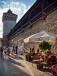 Krakow 2019-07-20. Mury obronne Krakowa  i Brama Floriańska widok od strony ulicy Pijarskiej.
