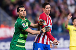 Goalkeeper Andres Fernandez Moreno of Villarreal CF (L) and Fernando Torres of Atletico de Madrid (R) during the La Liga match between Atletico de Madrid vs Villarreal CF at the Estadio Vicente Calderon on 25 April 2017 in Madrid, Spain. Photo by Diego Gonzalez Souto / Power Sport Images
