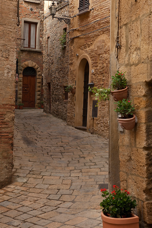 Backstreet in hilltown of Volterra in central Italy