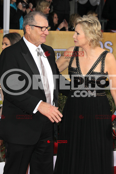 LOS ANGELES, CA - JANUARY 27: Ed O'Neill and Jane Lynch at The 19th Annual Screen Actors Guild Awards at the Los Angeles Shrine Exposition Center in Los Angeles, California. January 27, 2013. Credit: mpi27/MediaPunch Inc. /NortePhoto /NortePhoto