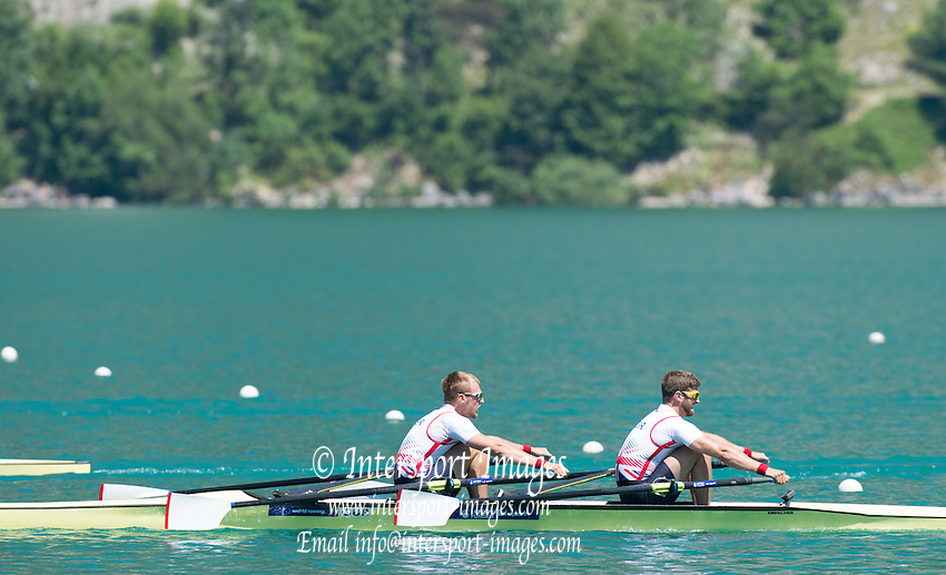 Aiguebelette, FRANCE.  GBR M2X, Bow John COLLINS and Jonny WALTON. Sat afternoon semi-finals at the   2014 FISA World Cup II, 14:44:06  Saturday  21/06/2014. [Mandatory Credit; Peter Spurrier/Intersport-images]