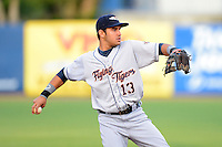 Lakeland Flying Tigers shortstop Eduardo Suarez #13 during a game against the Tampa Yankees at Steinbrenner Field on April 6, 2013 in Tampa, Florida.  Lakeland defeated Tampa 8-3.  (Mike Janes/Four Seam Images)