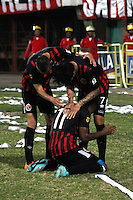 CUCUTA - COLOMBIA -07 -02-2015: Los jugadores de Cucuta Deportivo celebran el gol anotado a Independiente Santa Fe durante partido entre Cucuta Deportivo e Independiente Santa Fe por la fecha 2 de la Liga Aguila I-2015, jugado en el estadio General Santander de la ciudad de Cucuta.  / The players of Cucuta Deportivo celebrate a scored goal to Independiente Santa Fe during a match between Cucuta Deportivo and Independiente Santa Fe for the date 2 of the Liga Aguila I-2015 at General Santander Stadium in Cucuta city, Photo: VizzorImage / Manuel Hernandez / Str.
